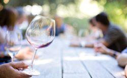 自分の好みに合ったおすすめのワイングラス選びとは?