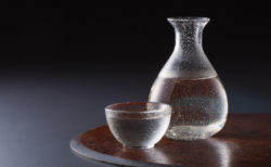 日本酒の家飲みが簡単にできる「おつまみ」と「グッズ」完全ガイド