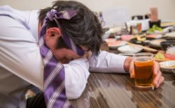 ストレスが飲酒量を増やす⁈飲酒量を抑える方法とは⁈