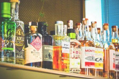 【デートにおすすめ】バーでおしゃれに飲める定番カクテル6選